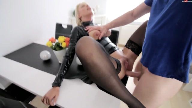 Watch Online Porn – Mydirtyhobby presents Daynia – Vollgewichste Latex-Anal-Nutte als Fickfleisch benutzt – Vollgewichste Latex anal hooker used as Fickfleisch! (MP4, FullHD, 1920×1080)