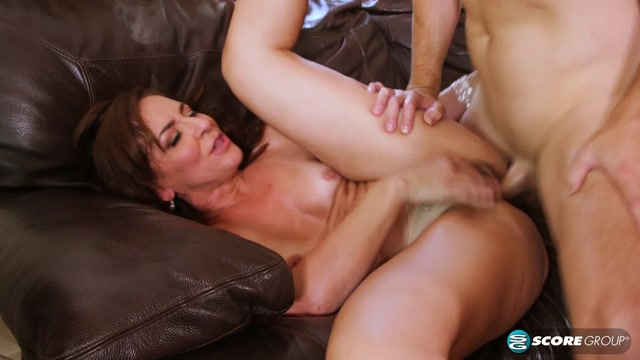 Watch Online Porn – PornMegaLoad – 40SomethingMag presents Natalie Moon in Once in a blue moon, Natalie gets ass-fucked on-camera – 13.09.2017 (MP4, FullHD, 1920×1080)
