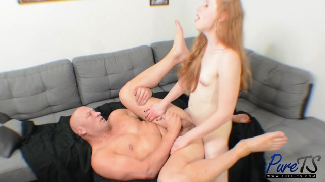 Pure-ts_presents_Shiri_fucks_the_plumber_-_14.09.2017.mp4.00007.jpg