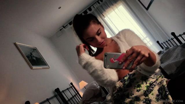Watch Online Porn – TheLifeErotic presents Sabrisse A in Selfie Orgasm 2 – 12.09.2017 (MP4, FullHD, 1920×1080)
