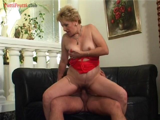 Watch Online Porn – TuttiFrutti presents Blond, hairy Euro amateur Mature – 31.08.2017 (MP4, SD, 720×540)