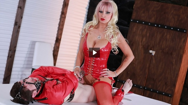 1_Femdomempire_presents_Brittany_Andrews_in_Mistress_Mommys_Lock_Up_-_04.10.2017.jpg