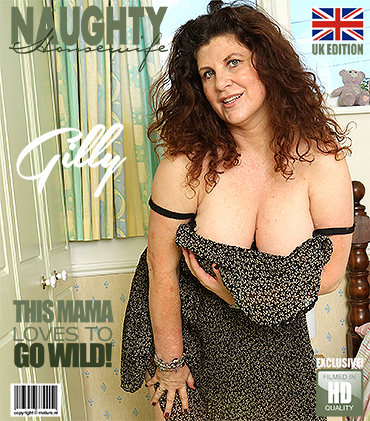1_Mature.nl_presents_Gilly__EU___51__in_British_big_breasted_housewife_Gilly_fingering_herself_-_16.10.2017.jpg