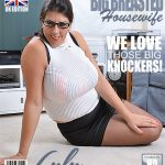 Mature.nl presents Lulu (EU) (51) in British big breasted housewife fingering herself – 09.10.2017