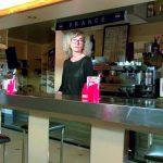 JacquieEtMichelTV presents Isabelle, 42ans, patronne dun bar PMU – 04.10.2017