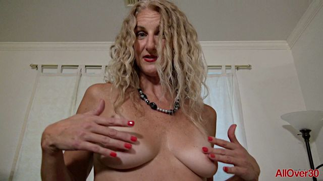 Allover30_presents_Layla_Wolf_51_years_old_9_to_5_Ladies_-_24.10.2017.mp4.00002.jpg