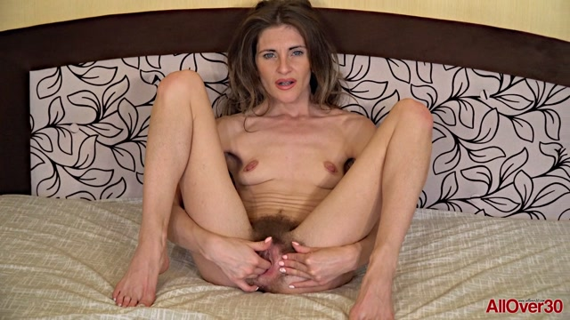 Watch Online Porn – Allover30 presents Olivia Arden 30 years old Mature Pleasure – 13.10.2017 (MP4, FullHD, 1920×1080)