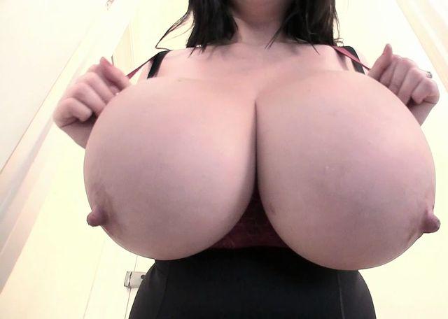 BBW_Rachel_Aldana_in_Gigantic_Boobs_from_UK.mp4.00005.jpg