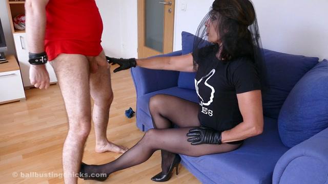 BallBustingChicks_presents_Black_Widow_in_Dominant_Harassments_.mp4.00003.jpg