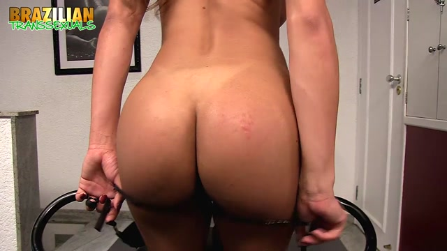 Brazilian-transsexuals_presents_Juliana_Leal_-_17.10.2017.mp4.00005.jpg