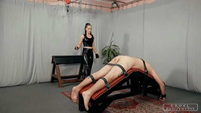 Watch Online Porn – CRUEL PUNISHMENTS presents Mistress Anettev in Three tests of the slave (MP4, HD, 1280×720)