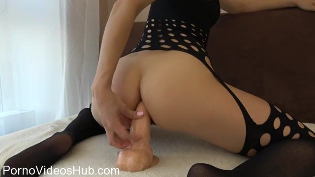 Watch Online Porn – CarryLight in Teen With Tight Anal Tries Huge Dildo First Time With Orgasm (MP4, HD, 1280×720)