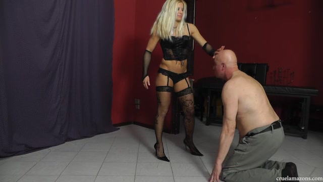 Cruel_Amazons_presents_Mistress_Zita_in_Shut_the_fuck_up_.mp4.00012.jpg
