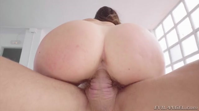 EvilAngel_presents_Cassie_Fire_in_Eager_Ass_Licker_Nailed_By_Huge_Boner_.mp4.00007.jpg