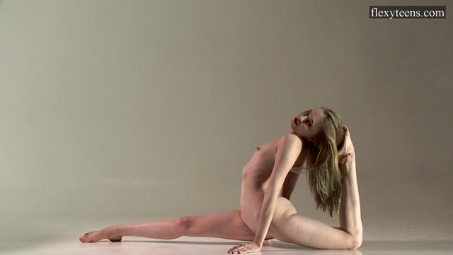 Watch Online Porn – FlexyTeens – Naked-Gymnast presents Sofia Zhiraf – 13.10.2017 (MP4, FullHD, 1920×1080)