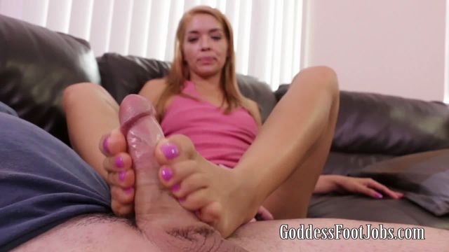 GoddessFootjobs_presents_Averi_Brooks_in_Using_just_my_feet.wmv.00005.jpg