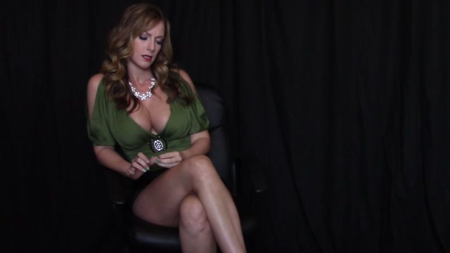 Goddess_Gwen_in_Sexy_Executrix_Mind_Fuck.mp4.00009.jpg