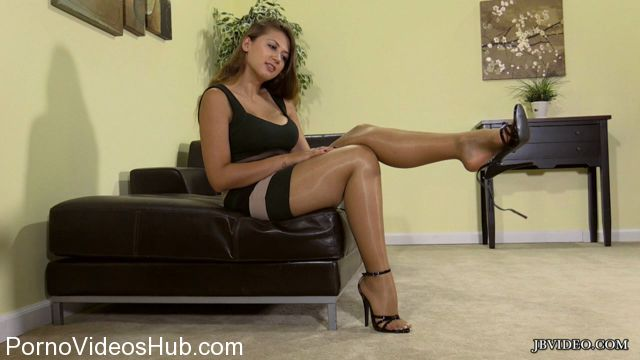 Watch Online Porn – Jbvideo presents IVY ROSE in FOOT TEASE (MP4, HD, 1280×720)