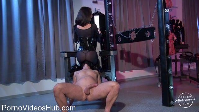 Kinky_Mistresses_presents_Mistress_Susi_in_Nylon_Worship.mp4.00010.jpg