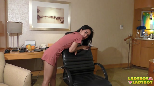 Ladyboy-ladyboy_presents_Stunning_Rebecca_Explodes_Her_Cum__-_16.10.2017.mp4.00001.jpg