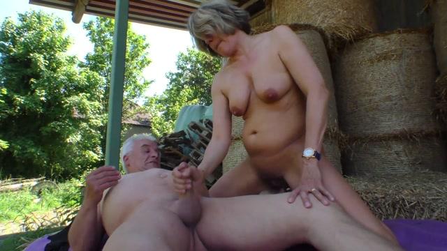 Watch Online Porn – Magmafilm presents The Farmers Wife From Geiler Sommerurlaub Auf Dem Bauernhof 2 (MP4, FullHD, 1920×1080)