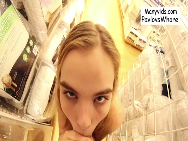 Watch Online Porn – ManyVids presents Cloe Palmer – Pavlovswhore in Public Oral & Cum Walk at the Mall (MP4, FullHD, 1440×1080)