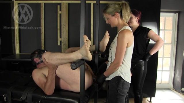 Watch Online Porn – Mistress Nikki Whiplash – Goddess Sophia – WL1260 Huge Strap On Tag Team (MP4, SD, 1024×576)