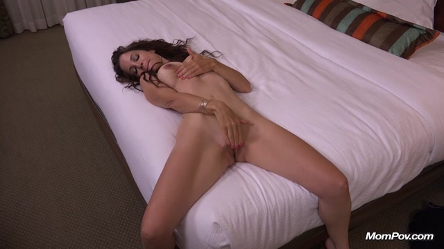 Watch Online Porn – Mompov presents Courtney (MP4, HD, 1280×720)
