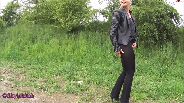 Watch Online Porn – MyDirtyHobby presents Skylabitch – Oh Shit – Riss im Schritt meiner Leggings – Oh Shit Crack in the crotch of my leggings (MP4, FullHD, 1920×1080)
