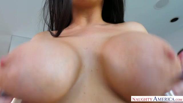 Watch Online Porn – NaughtyAmerica – AssMasterpiece presents Romi Rain 23313 – 04.10.2017 (MP4, SD, 640×360)