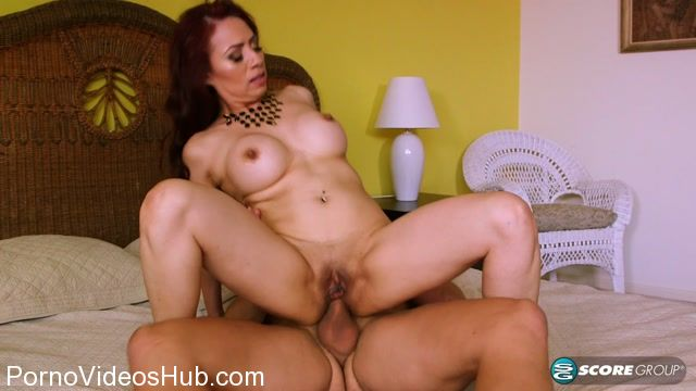 PornMegaLoad_-_50PlusMilfs_presents_Claudia_Fox_and_Donnie_Rock_in_Red-hot_MILF_Claudia_gets_ass-fucked_by_the_gardener_-_26.10.2017.mp4.00013.jpg