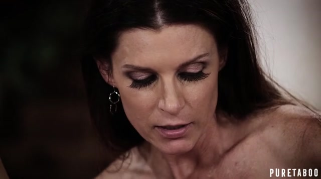 Watch Online Porn – Puretaboo presents India Summer, Whitney Wright in A Mothers Choice – 17.10.2017 (MP4, SD, 720×400)