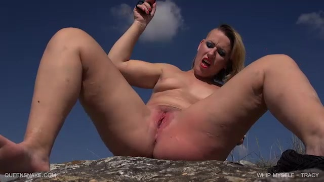 Watch Online Porn – QueenSnake presents Tracy in whip myself – 23.09.2017 (MP4, SD, 640×360)
