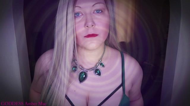 Watch Online Porn – Queen Amber Mae in It Makes Sense (MP4, HD, 1280×720)