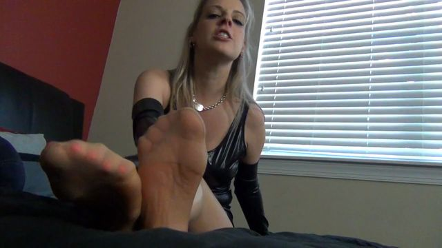 Watch Online Porn – Roxie Rae in ROXIES PANTYHOSE TEASE and DENIAL (MP4, HD, 1280×720)