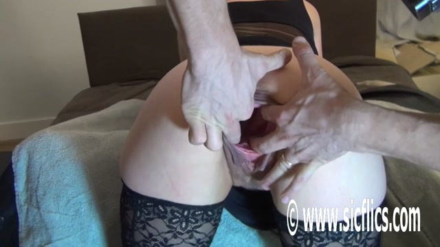 SicFlics_presents_Stretching_Evas_giant_pussy_-_07.10.2017.mp4.00006.jpg