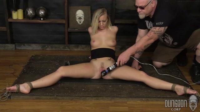 erect man boner nudebeach