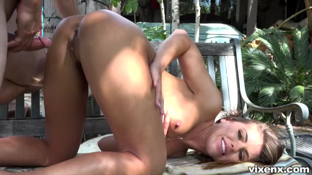 VixenX_presents_Adriana_Chechik_in_The_Ugly_Duckling_-_06.10.2017.mp4.00002.jpg