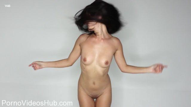 Watch Online Porn – Watch4Beauty presents Aliana in Up Close – 28.10.2017 (MP4, FullHD, 1920×1080)