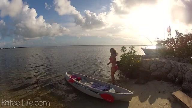 Webcams_Video_presents_Very_Hot_Girl_Katee_Owen_-_Beach.mp4.00003.jpg