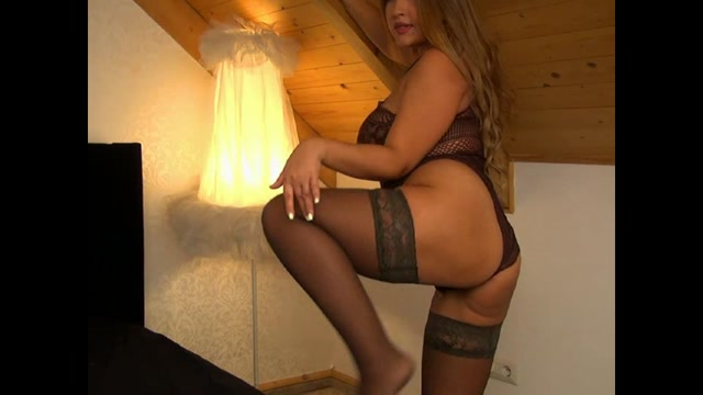Webcams_Video_presents_Very_Hot_Girl_SamySamSamx.mp4.00007.jpg