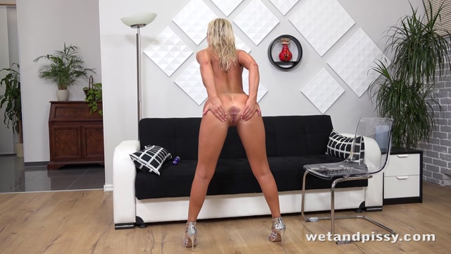 WetAndPissy_presents_Victoria_Pure_in_Wanting_More_-_24.10.2017.mp4.00014.jpg