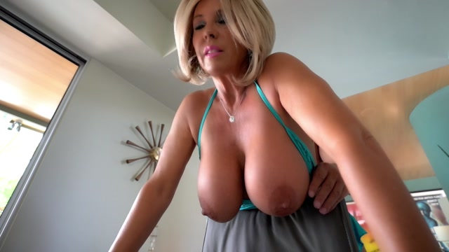 Watch Online Porn – WifeysWorld presents Sandra Otterson in Kates Bartering – 18.10.2017 (MP4, SD, 854×480)