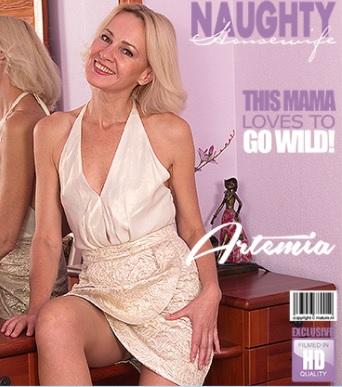 1_Mature.nl_presents_Artemia__45__in_hot_housewife_Artemia_fingering_herself_-_04.11.2017.jpg