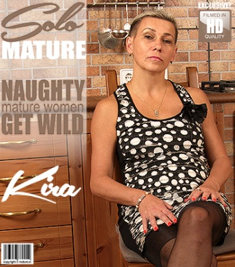 1_Mature.nl_presents_Kira__52__in_hairy_housewife_fingering_herself_-_15.11.2017.jpg