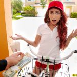 RealityKings – StreetBlowJobs presents Lyla Letto in Delivery Service Slut – 26.11.2017