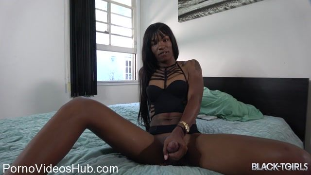 Watch Online Porn – Black-tgirls presents Juliana Banks Cums! – 04.11.2017 (MP4, HD, 1280×720)