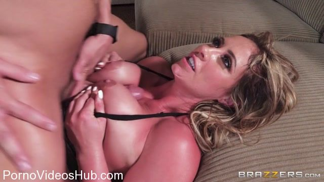 Brazzers_-_MilfsLikeItBig_presents_Eva_Notty_in_ZZ_Pizza_Party__Part_1_-_30.11.2017.mp4.00013.jpg