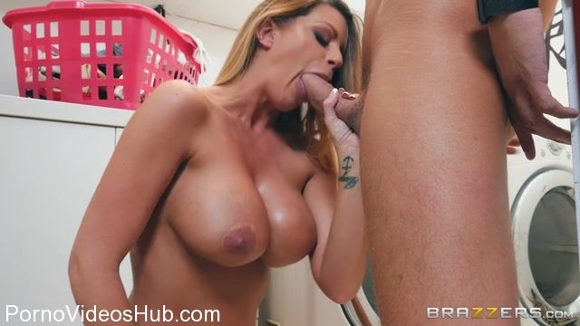 Watch Online Porn – Brazzers – MommyGotBoobs presents Brooklyn Chase in The Mother Load – 01.11.2017 (MP4, SD, 854×480)