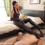Clips4sale – Young Goddess Kim presents  Merciful Mistress
